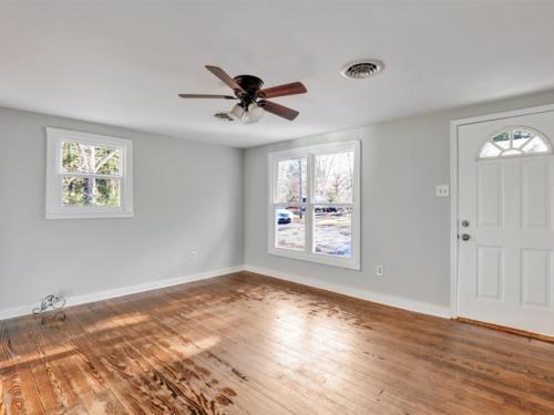 05-Living Room (2)