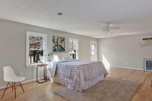 11375 Bristow Dr Gloucester VA-small-008-5-Master Bedroom-666x444-72dpi