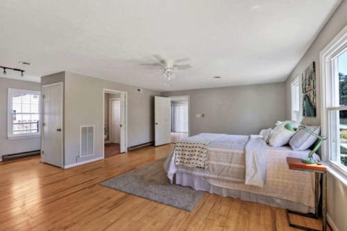 11375 Bristow Dr Gloucester VA-small-011-42-Master Bedroom-666x444-72dpi