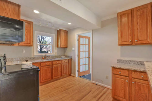 11375 Bristow Dr Gloucester VA-small-015-14-Kitchen-666x444-72dpi