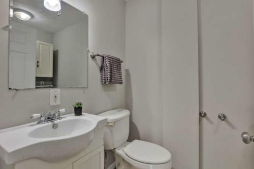 11375 Bristow Dr Gloucester VA-small-021-23-Bathroom-666x445-72dpi