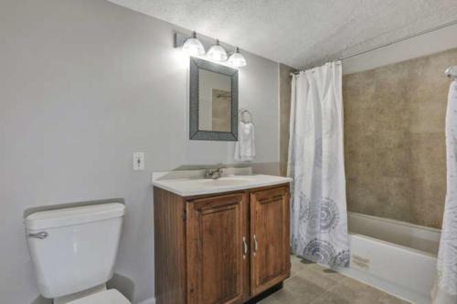 11375 Bristow Dr Gloucester VA-small-024-17-Bathroom-666x444-72dpi