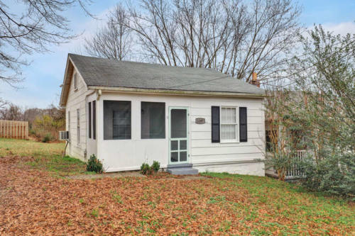 1207 Pine Ave Hopewell VA-small-001-28-Exterior  Front-666x444-72dpi