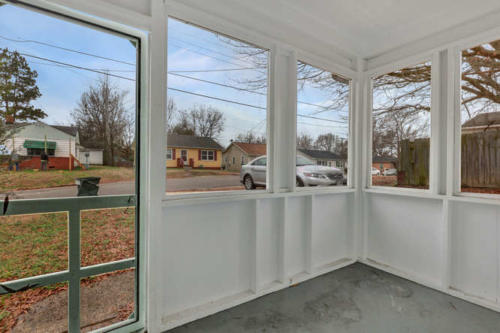 1207 Pine Ave Hopewell VA-small-003-11-Screenedin Porch-666x443-72dpi