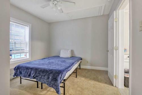 1207 Pine Ave Hopewell VA-small-011-6-Bedroom-666x444-72dpi