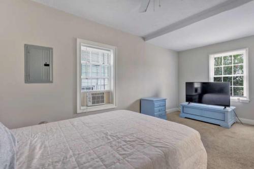 1207 Pine Ave Hopewell VA-small-012-27-Bedroom-666x444-72dpi