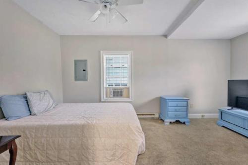 1207 Pine Ave Hopewell VA-small-013-25-Bedroom-666x444-72dpi