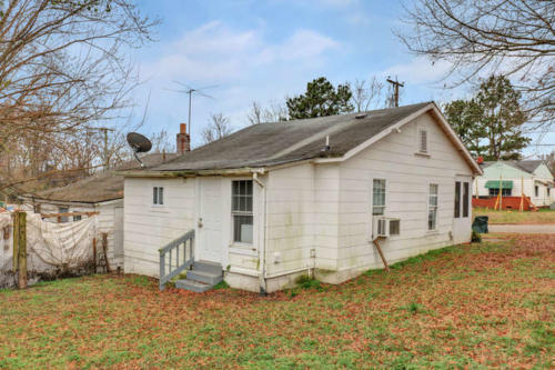 1207 Pine Ave Hopewell VA-small-016-14-Back View-666x444-72dpi
