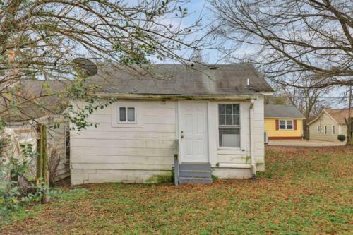 1207 Pine Ave Hopewell VA-small-017-10-Back View-666x443-72dpi