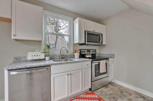 402 Willomett Ave Richmond VA-small-008-21-Kitchen-666x444-72dpi