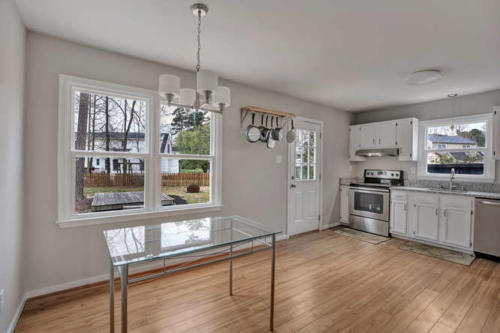 5000 Chelsea Brook Ln Glen-small-005-1-Dining RoomKitchen-666x444-72dpi