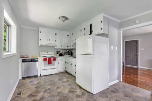 5352 Germain Rd Richmond VA-small-006-6-Kitchen-666x444-72dpi